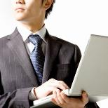 大規模なシステム更新に、作業期間のみ出張サポート要員を活用